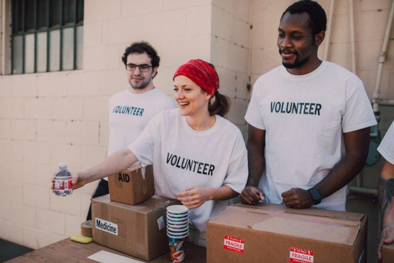Volunteers donating